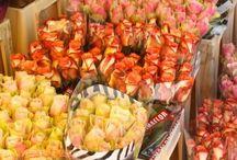FLORISTS IN PARIS / MLP just loves Flowers. Simple as that! :)