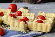 frolla al parmigiano con ricotta, pomodorini e cipollotto al profumo di maggiorana