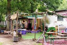 Camping Bakkum / Op Kennemer Duincamping Bakkum staat het, jaren '50, gevoel van vrijheid centraal. Op deze camping, waar al sinds 1914 gekampeerd wordt, is de sfeer van vroeger voelbaar. De vrijheid van je voeten in het zand en genieten, samen met anderen. Dit is kamperen op een natuurlijke en nostalgische camping waar creativiteit tot ontplooiing kan komen.