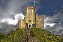Castles / There are so many beautiful castles around the world we thought we would get pinning!
