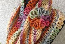 Crochê / Crochet feitos por mim e retirados da web / by Jana Saucedo