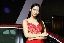 West Lake Expo Automobile Fashion Models / The spotlight of the West Lake International Expo Automobile Exhibition is the beautiful and fashionable models. Young, Charming and Slender, and they become the center of photographers and attendants.