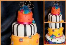 Sugarcraft Wedding Cakes / A collection of my own wedding cake, all decorated with varying sugarcraft techniques from piping and brush embroidery to sugarcraft models, ruffles and fabric effects.