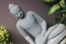 Mindfulness in Bali / Pins we love on meditation, self-compassion and mindfulness and Balinese statues