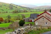 Travels in England / The best of historical travel throughout England