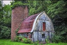 Beautiful Barns / Pictures of barns that make me feel happy! / by Leah Berry