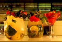 COCTELERÍA LATERAL / En Lateral también ofrecemos un servicio de #coctelería de autor a nuestros clientes, por eso, todos nuestros restaurantes disponen de una barra exclusiva para la preparación de todo tipo de #cócteles y combinados de marcas seleccionadas por nuestro equipo.   Puedes disfrutar de nuestra coctelería en todos nuestros locales a partir de las 18.00h.