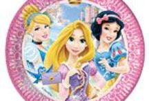 Disney Princess Sparkle Theme / A range of Disney Princess Sparkle tableware and decorations which include napkins, plates, tablecover, cups, disposable cutlery, Balloons, Platters, great for a girls themed party. Add this Disney Princess Sparkle partyware to any coloured party supplies and create the perfect theme.