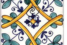 Pottery / La #ceramica artistica della provincia di #Salerno vanta una #tradizione ricchissima. I #colori e le influenze culturali del #mediterraneo si mescolano per creare pezzi unici e di grande pregio artistico.
