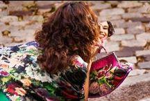 Embrujo / Los Carolas de más tronío, salero, duende y arrojo. Mis inspiraciones favoritas: encajes rojo sangre, mantones de manila, madroños goyescos, mantillas de procesión, enaguas regionales, trajes de flamenca, bordados de fallera, castañuelas, batas de cola… http://www.lacarola.com/la-carola-y-ole/ © Kike Arnaiz