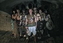 The Gladiators - The Arena / The best fighters of the time in a consuming gladiatorial show.