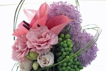 and Flower Arrangements / by Liz Ronning