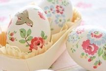 Easter DIY projects / A fab collection of DIY Easter projects to try out at home.