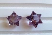 only amethyst / Amethyst is the birthstone for February and the gem for the 6th and 17th wedding anniversaries.(GIA)