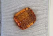 what about citrine / Along with topaz, citrine is a birthstone for November. It's also recognized as the gem that commemorates the thirteenth anniversary.(GIA)