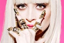 Rings, Rings, Rings / RINGS: gold rings, knuckle rings and midi rings to prettify your hands.
