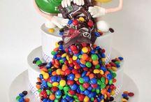 Strawberry Sky Cakes / Every celebration needs that special cake!