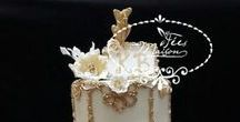Elegant Wedding Cakes / Have a bride that wants a showstopper cake.  Here are some of my favorite elegant wedding cakes.