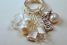 DIY Bling / DIY jewelry ideas.