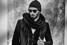 """La ligne Dandy / Le Dandy by IZAC se différencie parfois en créant lui même une mode.  Le mot dandy date d'environ 1780. Il se réfère à un homme à l'apparence soignée et bien habillé.   Cultivant l'élégance, la finesse et l'originalité, le style """" Dandy"""" s'attache principalement au langage et à la tenue vestimentaire.   Défini comme une manière d'être, notamment dans l'habillement et l'apparence, qui rompt totalement avec la règle du commun des hommes.  www.izac.fr"""