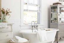 Bathroom / by Zenon Ziembiewicz