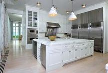 Kitchens With a View / These grand kitchens sport spectacular sights, making even dish washing an enjoyable task.