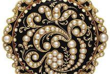 Crowns, Tiara's, Antique jewelry.