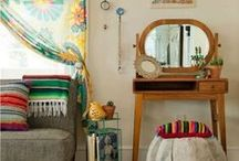 The Ecletic Decorator / Rooms with color stories, for people with a nomadic soul..