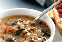 Vegan Soups & Stews / Vegan soup and stew recipes. Yummy!