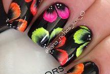 uñas con estilo y color / diferentes diseños en uñas decoradas.