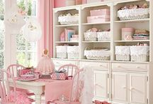 Shabby chic  / Bookcase, vintage, flowers, high tea, etc
