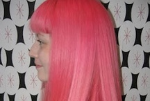 PRETTY FLAMINGO / Available in Classic Formula. To achieve the best results apply to hair pre-lightened to a level 9.