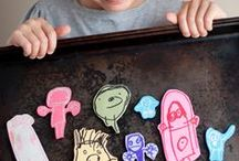 Kids Crafts / Arts & crafts easy enough for kids to do!