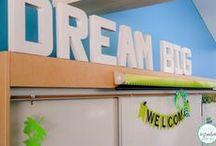 Easy Decor / So many amazing classrooms!