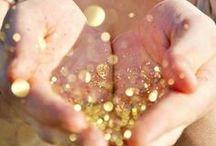 Gold Wedding ideas / #palette #wedding #gold