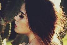 Looks / Nice make up, hair , nails ..Μακιγιάζ, μαλλιά , νύχια ...
