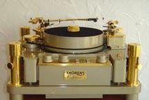 Analog Vinyl Turntables / by Steven Beesley