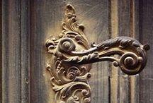 ...from DOOR  to DOOR ...