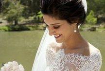 wedding dresses outlet Amsterdam / Voor een bruidsjurken outlet in Amsterdam is Zarganza de perftecte keuze! Een groot assortiment met keuze uit alle stijlen jurken van prachtige stoffen, zoals zijde, satijn, tule en luxe bewerkt kant. Verkrijgbaar is verschillende maten en kleuren.