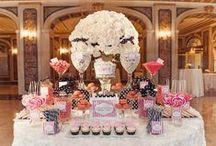 Mesa Dulce Boda | Sweet WeddingTables / A los invitados les encantan los dulces y por eso hay muchas formas de que estén presentes en tu boda, una de ellas, las preciosas mesas dulces, inspirate y crea la tuya!