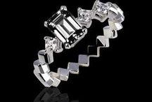 Bague diamant noir / Toutes nos bagues en diamants noirs / Joaillerie Jaubalet / Nuance de noir . Bagues de fiançailles diamant noir.  / Black & White
