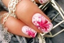 Delightful Nails / by Aimee Frenzel-Drew
