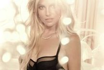 Intimate Britney Spears / Toutes les photos de la collection de lingerie de Britney Spears. Toutes les News ici : www.britneyarmy.fr