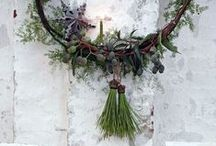 Leaves & Moss Wreaths & Garlands / by Consuelo Lopez