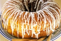 BUNDT CAKE / by Ruth Spilsbury