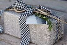 Wrapping It Up! / Add some extra decor for the Holidays. Whether it's a Christmas tree, Hanukkah presents, or a Kwanza celebration, a creatively wrapped gift adds some decoration to your holidays. Sometimes what's on the outside does count!