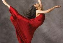 Dance and Movement / Beautiful Dance Photography and Movement sequences / by Cynthia