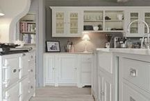Kitchens / Find me on Facebook for more interior design inspiration - Country & Coastal Interiors / by Josephine Burlingham (Country & Coastal Interiors)
