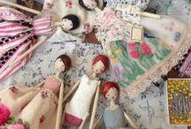 BabyBooks/Dolls/Tiaras / Crianças, bonecas , livros bordados / by Gigi Oki