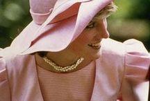 Lady Diana/Best Women / Mulheres Guerreiras e Maravilhosas. / by Gigi Oki